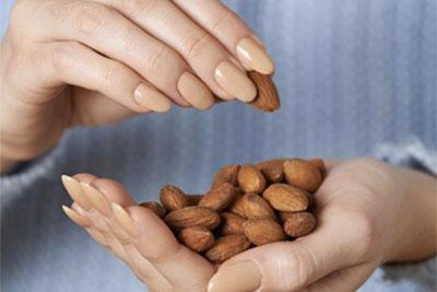 アーモンドの摂取と心臓の健康に関する新たな2つの研究結果を発表